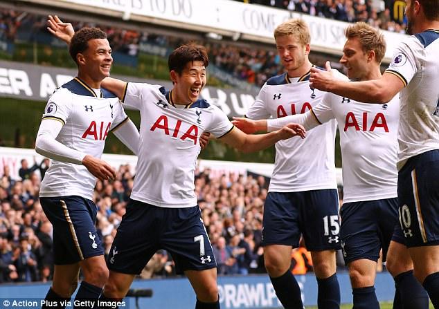 Kết quả, Bảng xếp hạng sau vòng 33 Ngoại hạng Anh: MU đánh bại Chelsea, Tottenham rút ngắn khoảng cách với ngôi đầu - Ảnh 2.