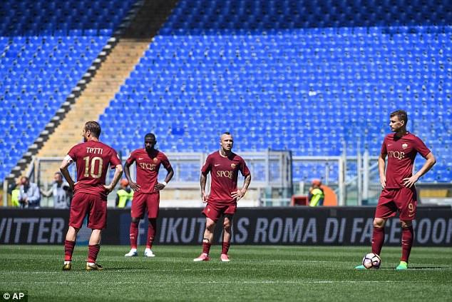 Kết quả bóng đá châu Âu đêm 30/4, rạng sáng 1/5: MU, Man City đồng loạt hoà, Tottenham 2-0 Arsenal, Roma 1-3 Lazio - Ảnh 5.