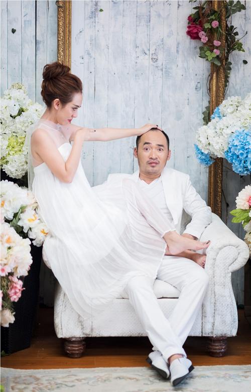 GK Biệt tài tí hon lộ diện trong bộ ảnh hài hước kỷ niệm 6 năm ngày cưới - Ảnh 3.