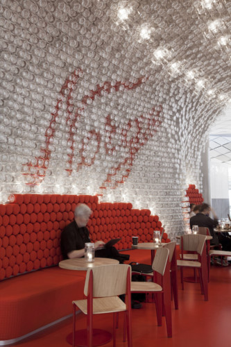 Thiết kế sân bay lấy cảm hứng từ những chiếc lọ thủy tinh - Ảnh 4.