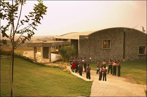 Các trường học có kiến trúc đẹp nhất Ấn Độ - Ảnh 4.