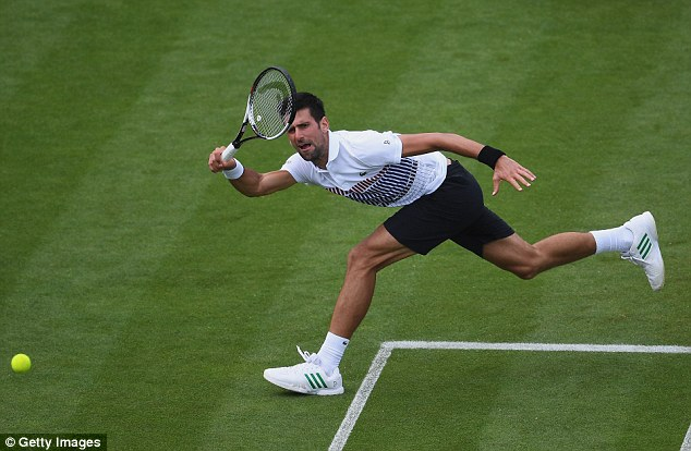 Đánh bại Daniil Medvedev, Djokovic vào chung kết AEGON International - Ảnh 1.