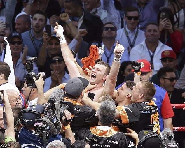 Manny Pacquiao thất bại trong trận tranh đai vô địch bán trung WBO - Ảnh 2.