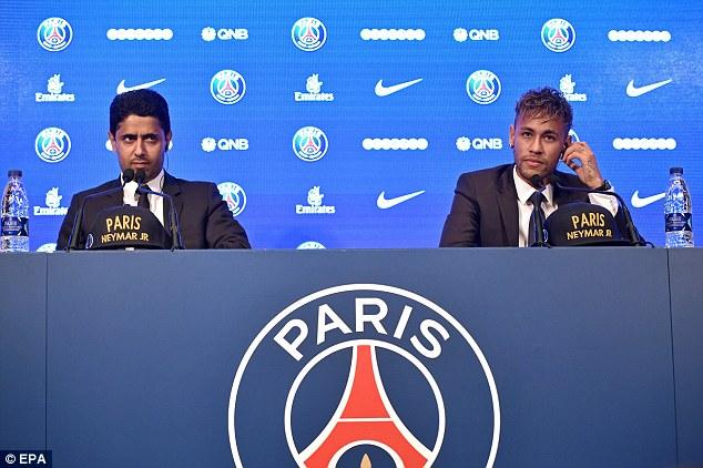 CHÙM ẢNH: Neymar ra mắt Paris Saint-Germain - Ảnh 11.