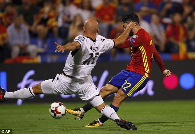 Kết quả bóng đá quốc tế rạng sáng 7/10: Tây Ban Nha thắng dễ, Italia bất ngờ mất điểm - Ảnh 1.