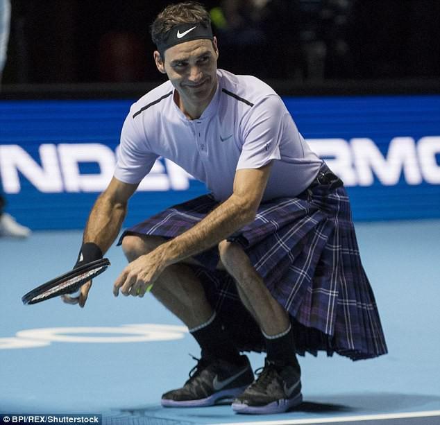ẢNH: Ngộ nghĩnh Roger Federer mặc váy đối đầu với Andy Murray - Ảnh 6.
