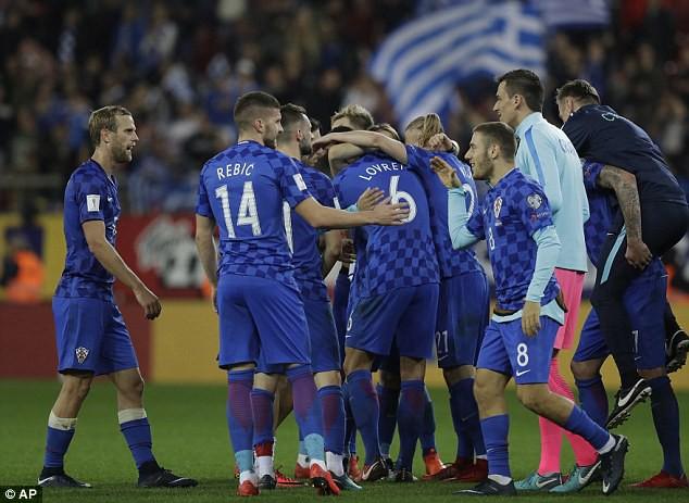 Kết quả lượt về vòng play-off World Cup 2018: ĐT Thuỵ Sĩ và Croatia giành quyền dự VCK World Cup 2018 - Ảnh 1.