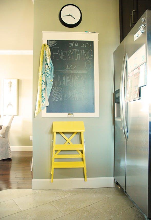 Trang trí tường nhà vừa ấn tượng vừa tiện dụng trong không gian nhỏ - Ảnh 10.