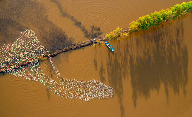 Việt Nam đẹp ngỡ ngàng khi nhìn từ trên cao - Ảnh 2.