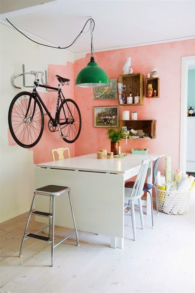 Trang trí tường nhà vừa ấn tượng vừa tiện dụng trong không gian nhỏ - Ảnh 11.