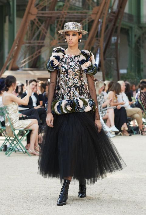 Chanel mang tháp Eiffel lên sàn diễn thời trang cao cấp - Ảnh 6.