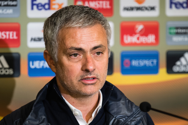 """Mourinho cảnh báo Martial: Theo tôi hoặc là """"ra đường""""? - Ảnh 1."""