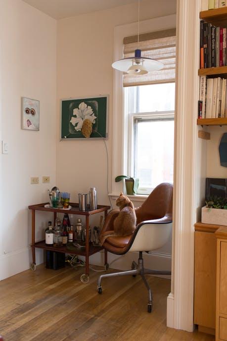 Mê mẩn căn hộ studio nhỏ xinh với nội thất toàn bằng gỗ - Ảnh 7.
