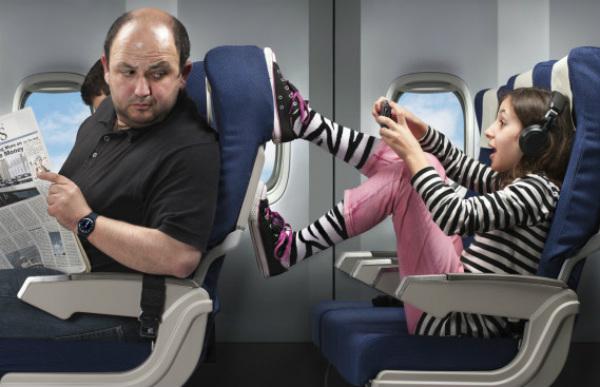 Những kiểu người ai cũng hết hồn trên mỗi chuyến bay - Ảnh 8.