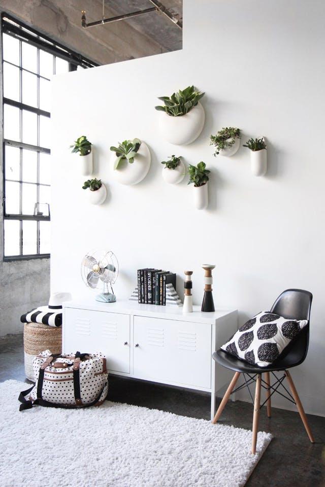 Trang trí tường nhà vừa ấn tượng vừa tiện dụng trong không gian nhỏ - Ảnh 5.
