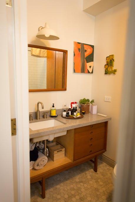 Mê mẩn căn hộ studio nhỏ xinh với nội thất toàn bằng gỗ - Ảnh 9.