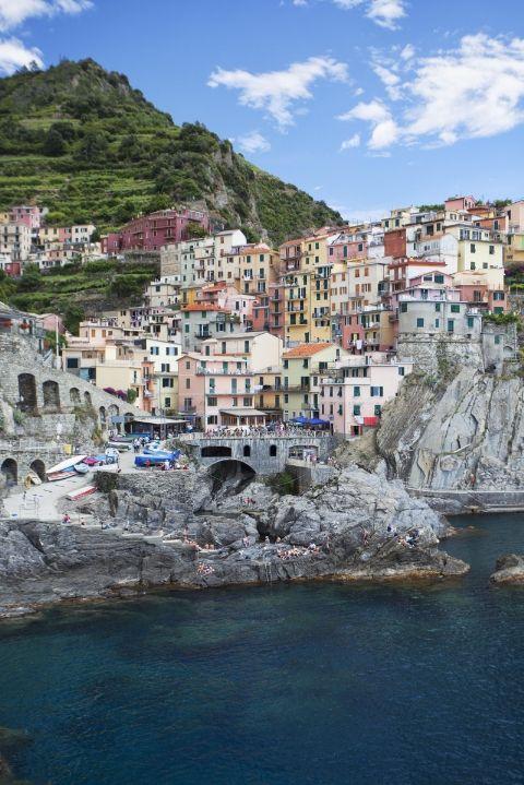 Những thị trấn sát biển đầy màu sắc trên khắp thế giới - ảnh 1