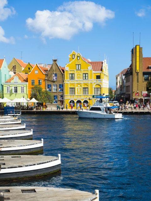 Những thị trấn sát biển đầy màu sắc trên khắp thế giới - ảnh 8