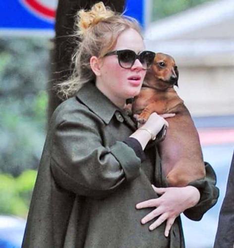Những khoảnh khắc xấu hổ nhất của Adele mỗi khi nhìn lại - Ảnh 7.