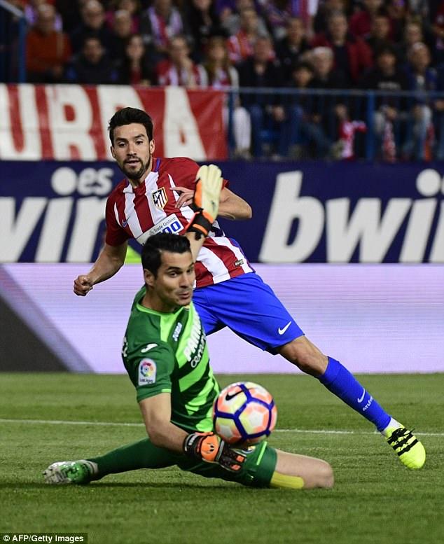 Atletico Madrid 0-1 Villarreal: Cú sảy chân tại Calderon - Ảnh 2.