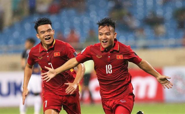BXH FIFA tháng 10/2017: Việt Nam bỏ xa Thái Lan - Ảnh 1.