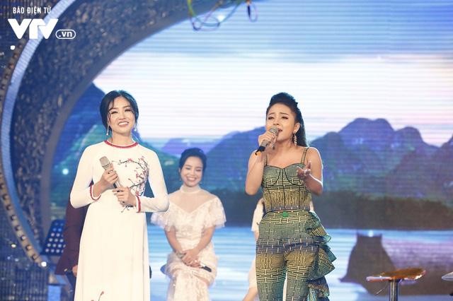 Top 12 thí sinh Chung kết Sao Mai 2017 quẩy tưng bừng tại Bữa trưa vui vẻ - Ảnh 2.