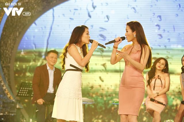 Top 12 thí sinh Chung kết Sao Mai 2017 quẩy tưng bừng tại Bữa trưa vui vẻ - Ảnh 6.