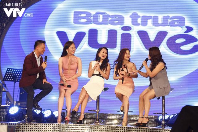 Top 12 thí sinh Chung kết Sao Mai 2017 quẩy tưng bừng tại Bữa trưa vui vẻ - Ảnh 5.