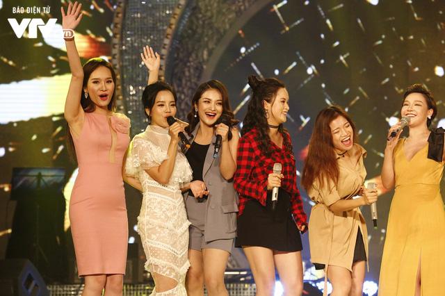 Top 12 thí sinh Chung kết Sao Mai 2017 quẩy tưng bừng tại Bữa trưa vui vẻ - Ảnh 14.