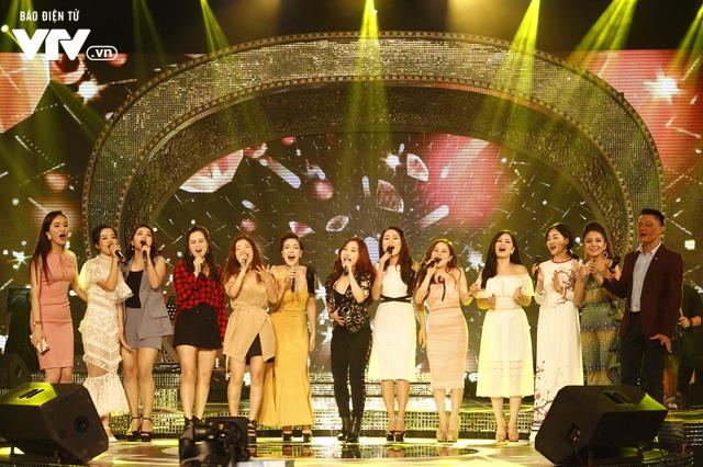 Top 12 thí sinh Chung kết Sao Mai 2017 quẩy tưng bừng tại Bữa trưa vui vẻ - Ảnh 11.