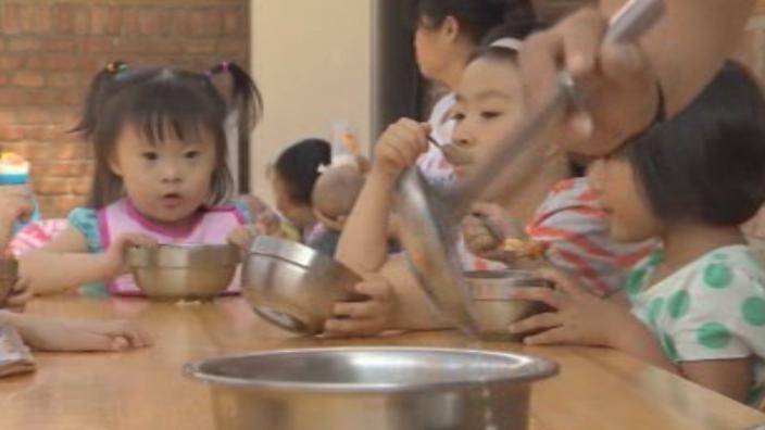 Trung Quốc: Số trẻ em bị bỏ rơi tương đương dân số nước Anh