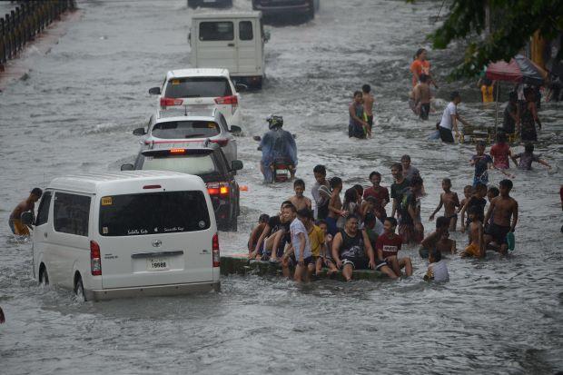 Bão Maring tấn công Philippines, ít nhất 4 người thiệt mạng - Ảnh 2.