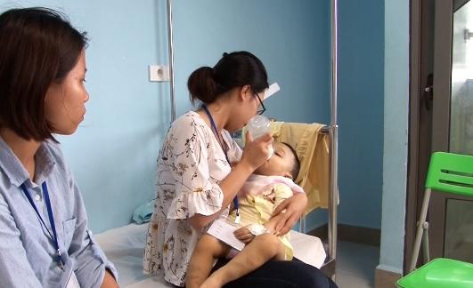 Khởi tố vụ án bạo hành bé trai 1 tuổi ở Hà Nội - Ảnh 1.
