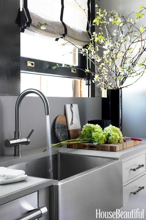 Những ý tưởng không thể bỏ qua cho gian bếp nhỏ hẹp - Ảnh 1.