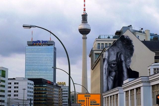 Triển lãm nghệ thuật đường phố tại Đức - Ảnh 9.