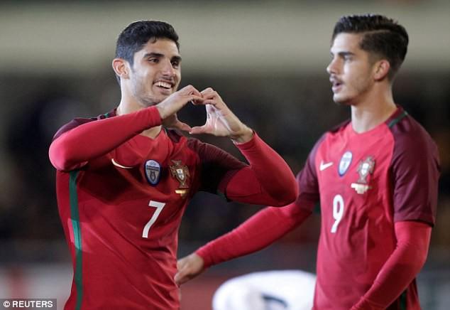 Kết quả bóng đá sáng 11/11: Thua Thụy Điển, Italia có nguy cơ ngồi nhà xem World Cup - Ảnh 7.