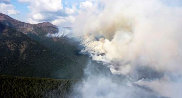Cháy rừng bùng phát dữ dội ở Canada - Ảnh 8.