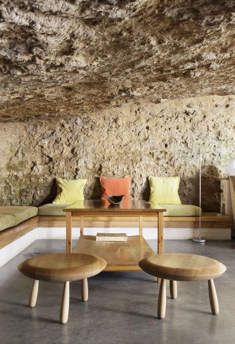 Độc đáo căn nhà hang ở khe núi tại Tây Ban Nha - Ảnh 7.