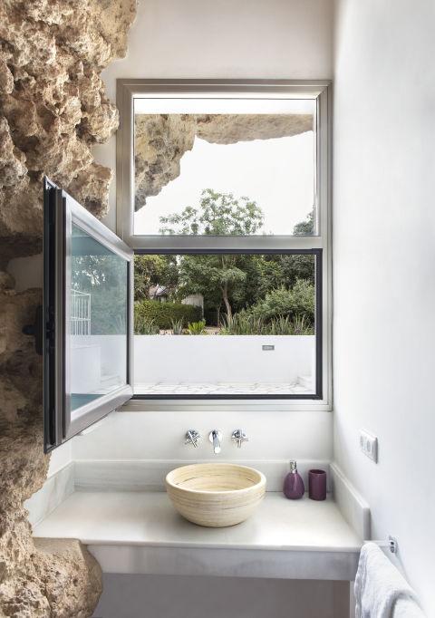Độc đáo căn nhà hang ở khe núi tại Tây Ban Nha - ảnh 10