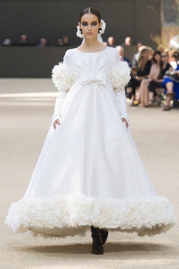 Chanel mang tháp Eiffel lên sàn diễn thời trang cao cấp - Ảnh 3.