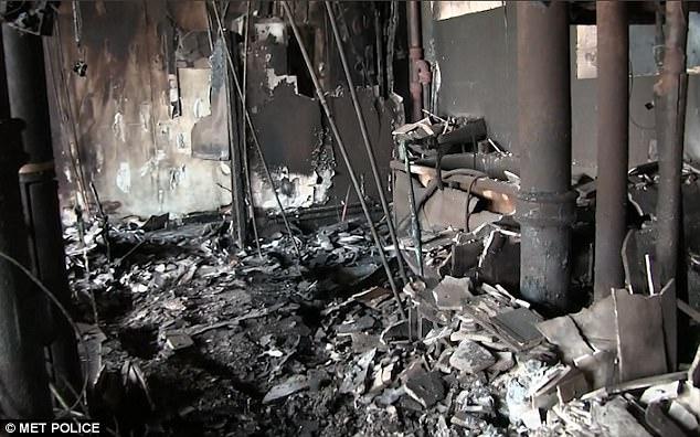 Công bố video bên trong tòa chung cư cháy đen ở Anh - ảnh 1