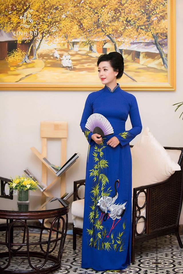NSƯT Chiều Xuân tiết lộ lý do thích diện áo dài trong các sự kiện lớn - Ảnh 3.
