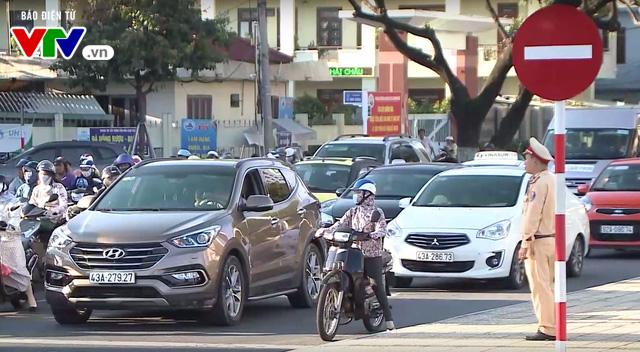 Đà Nẵng cấm xe đầu kéo, xe tải và xe ô tô trên 9 chỗ ngồi trên 1 số tuyến đường trong kỳ APEC - Ảnh 1.