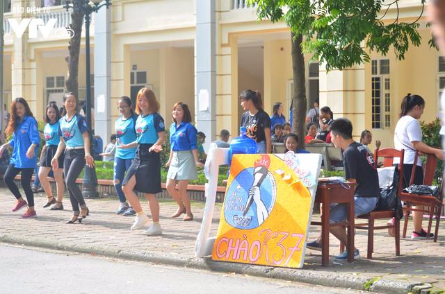 Nhiều trường Đại học chào đón tân sinh viên nhập học - Ảnh 2.
