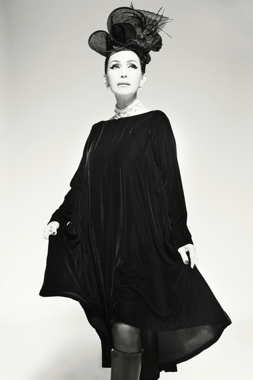 Nữ hoàng ảnh lịch Diễm My quý phái trong bộ ảnh đen trắng - Ảnh 5.