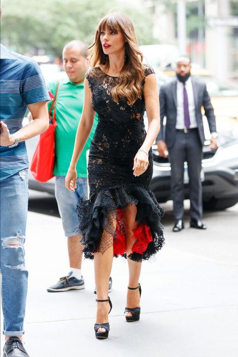 Chân dài Cara Delevingne đẹp nhất tuần với vest cá tính - Ảnh 5.