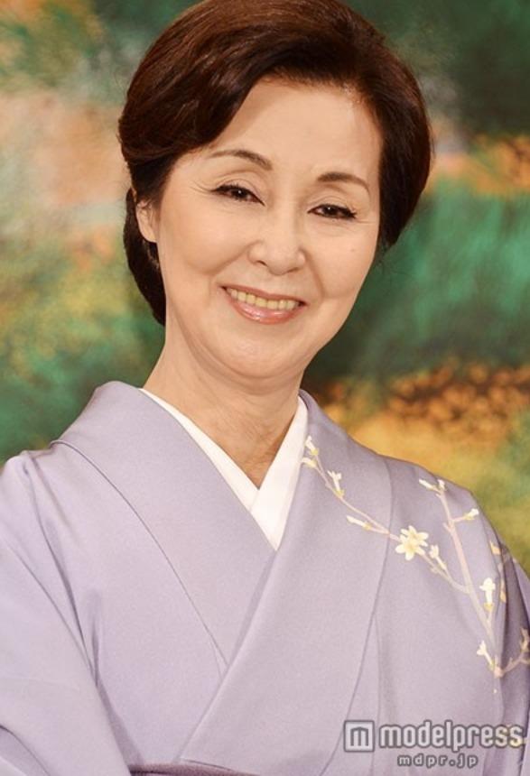 Mẹ chồng quốc dân của màn ảnh Nhật qua đời vì ung thư - Ảnh 1.