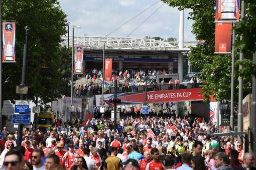 Những hình ảnh đáng nhớ trong ngày đăng quang FA Cup thứ 13 của Arsenal - Ảnh 1.