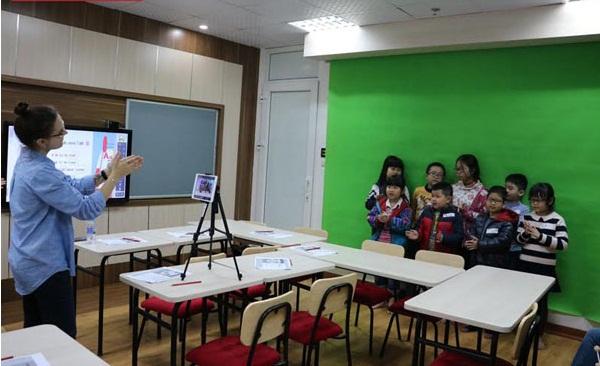 Xu hướng mới trong đào tạo tiếng Anh tại Việt Nam - Ảnh 1.