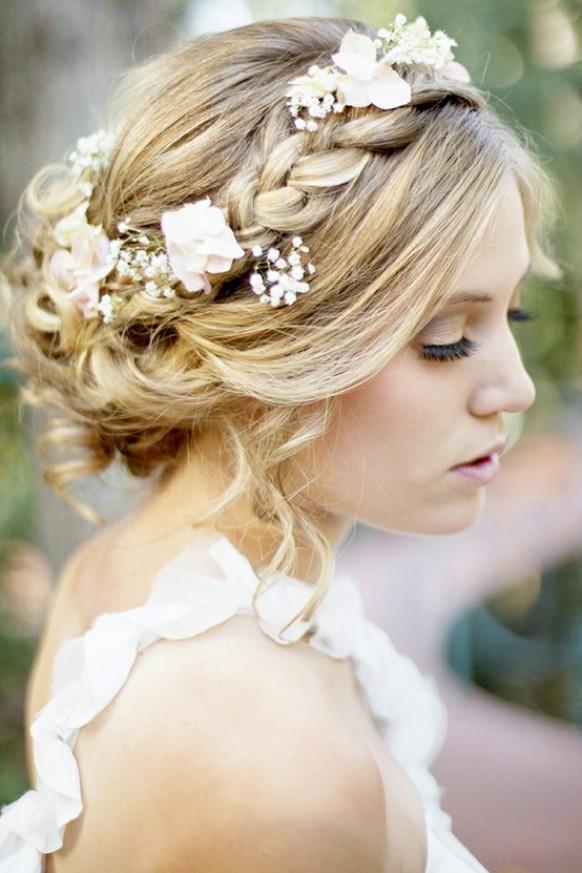 Phụ kiện cài tóc giúp cô dâu thêm tỏa sáng trong ngày cưới - Ảnh 2.